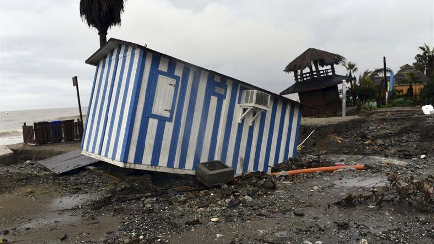 Zoido acude al Centro de Coordinación de Málaga para ver efectos del temporal