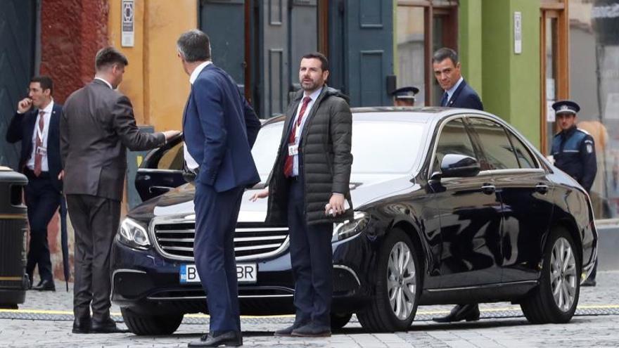 Sánchez abandona la cumbre europea en Sibiu por el empeoramiento de Rubalcaba