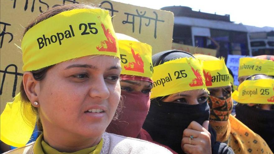 Las víctimas de la mayor tragedia industrial de India celebran la revisión del Gobierno