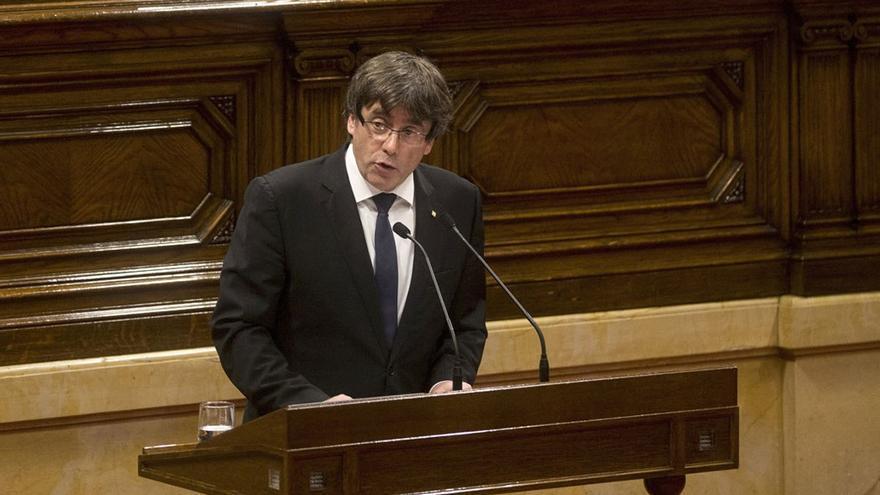 Declaración de Puigdemont en el parlamento catalán el pasado 10 de octubre. (EFE).