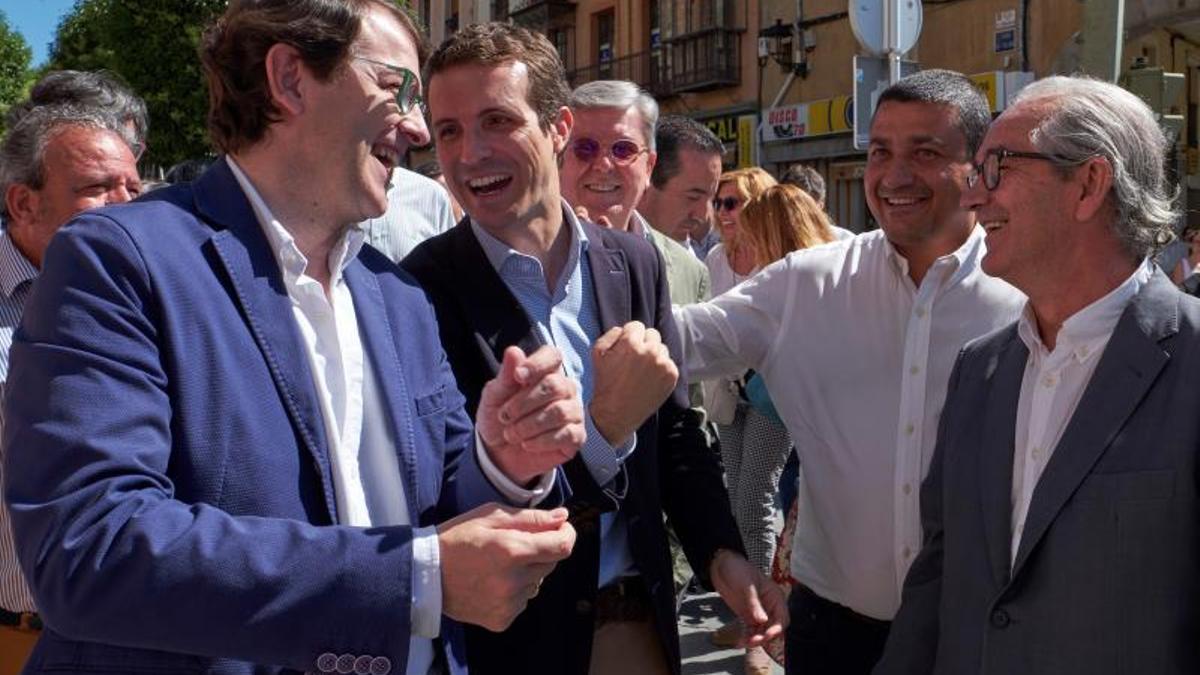 Fernández Mañueco junto a Pablo Casado, poco antes de las elecciones de 2019.
