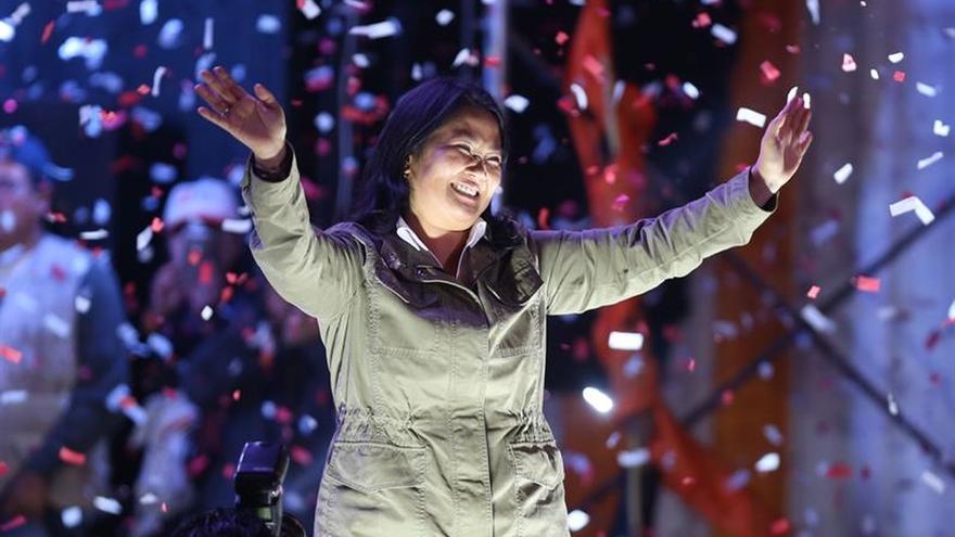 Fujimori obtiene el 52,2 % de los votos ante el 47,8 % de Kuczynski en un nuevo sondeo
