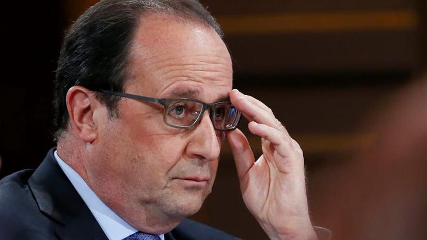 Hollande promete 5.000 millones de euros para educación e investigación