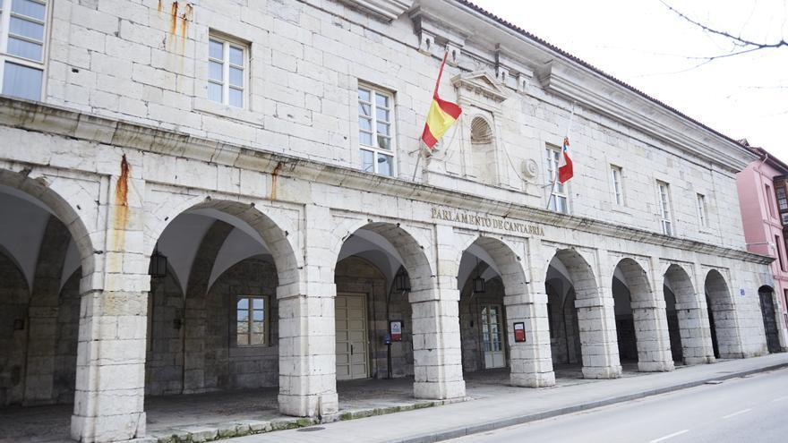 Sede del Parlamento de Cantabria en el antiguo Hospital de San Rafael. | JUANMA SERRANO