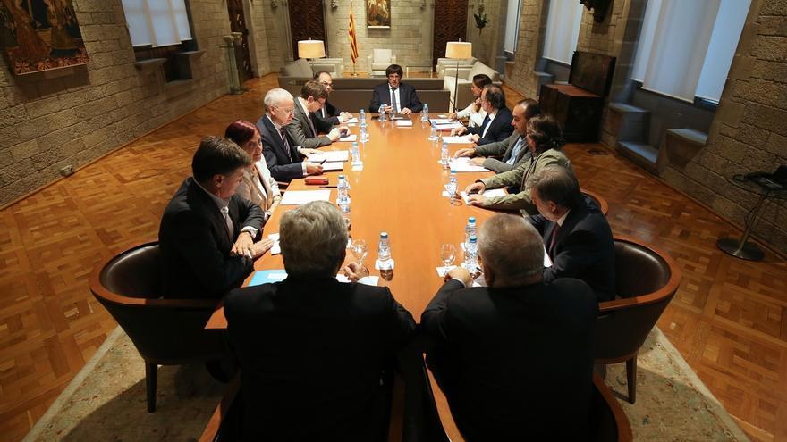 Exministro de Economía corrige a Junqueras sobre el retorno de los bancos a Cataluña: está desinformado o miente