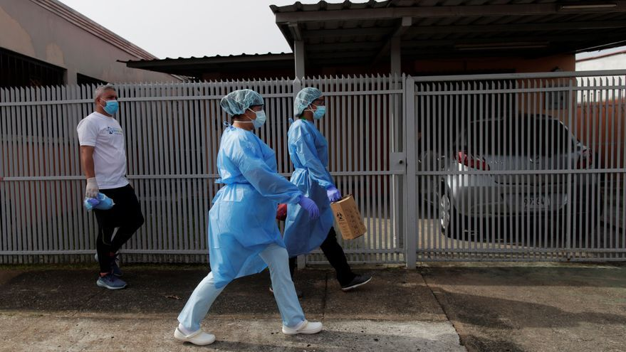 Buscan contagiados de COVID-19 en las calles de Panamá ante la emergencia sanitaria