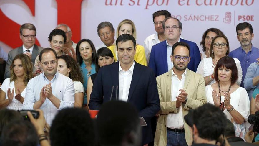 """Sánchez dice """"no estar satisfecho"""" y culpa a Iglesias del crecimiento del PP"""