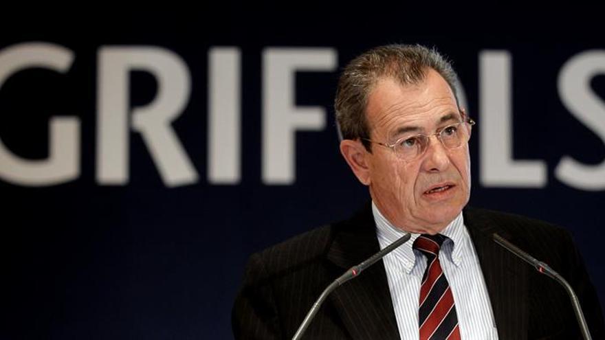 Víctor Grífols deja la dirección de la empresa en manos de su hermano e hijo