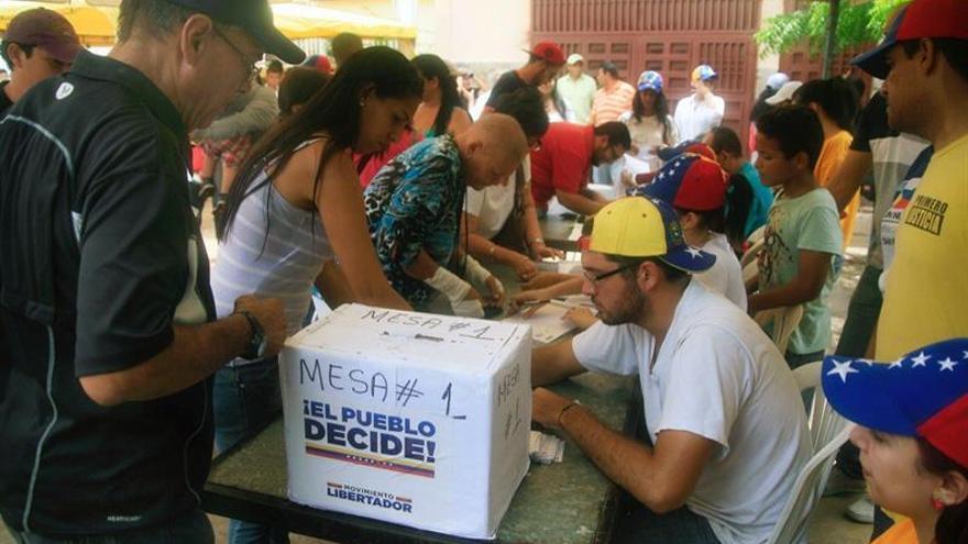 Más de 7,5 millones de venezolanos participaron en la consulta contra Maduro