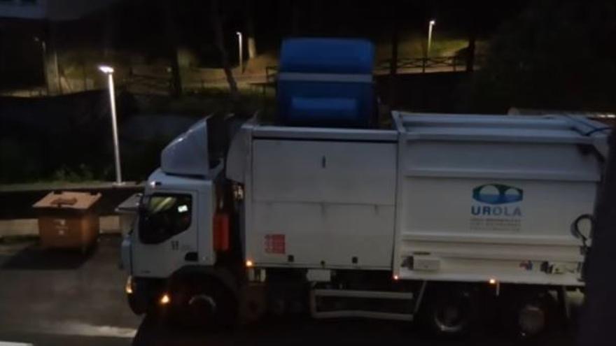 Camión de basura en Azkoitia