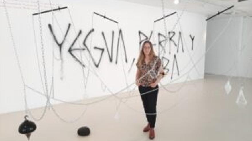 El Centro Cultural Montehermoso de Vitoria acoge la exposición 'Tósigo' de Miriam Isasi