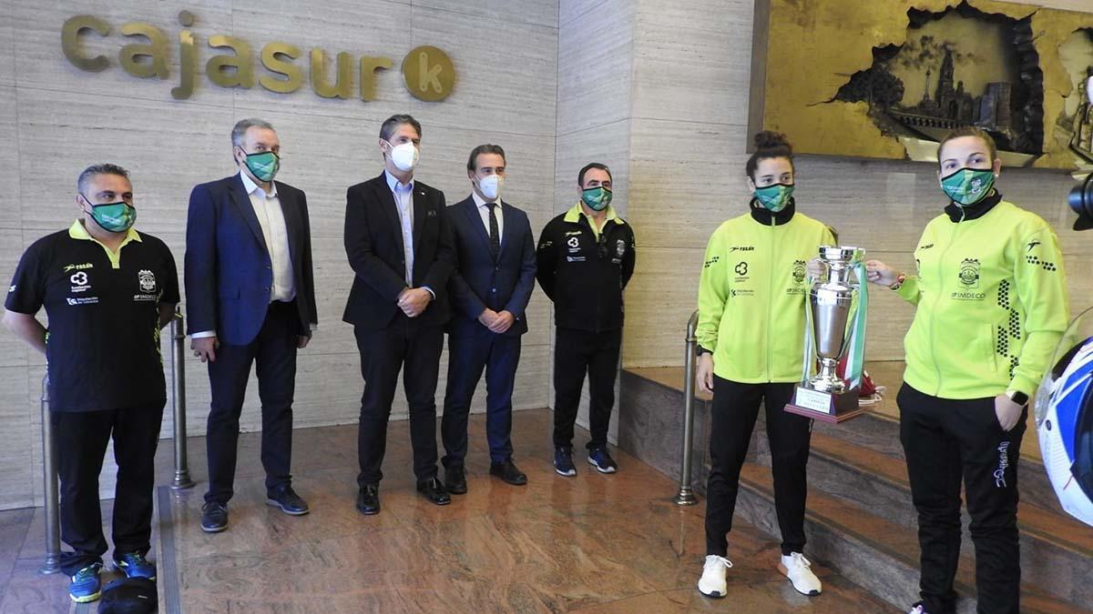 Recibimiento en la Fundación Cajasur al Deportivo Córdoba tras la consecución de la Copa de Andalucía