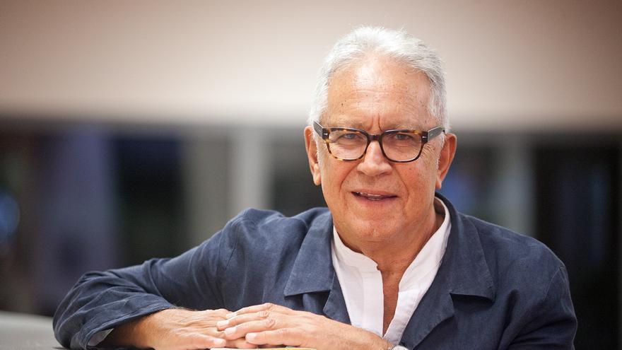 El periodista y escritor tinerfeño Fernando Delgado.