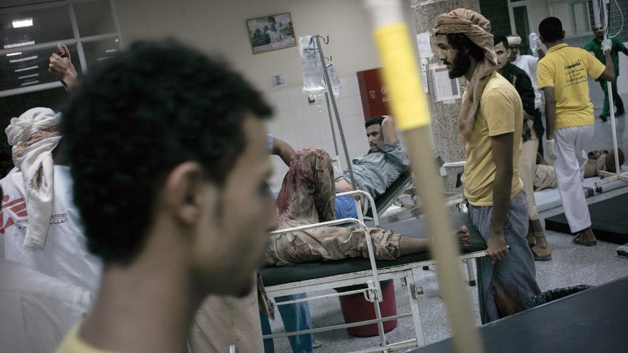 Desde que empezó el conflicto, MSF ha tratado a más de 10.500 heridos y realizado 5.000 operaciones de cirugía. Solo en el Hospital Quirúrgico de Adén de la imagen los equipos han asistido en urgencias a más de 4.700. Fotografía: Guillaume Binet/MYOP