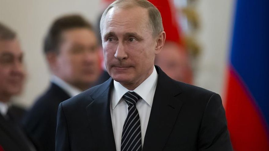 Putin desaprueba plantear la restitución de la monarquía en Rusia