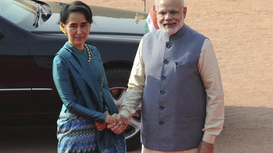 India y Birmania firman pactos bancarios y energéticos durante la visita de Suu Kyi