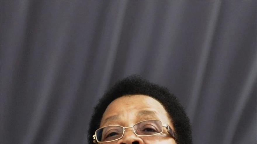 Las instituciones deben reflejar la diversidad, dice Graça Machel, viuda de Mandela