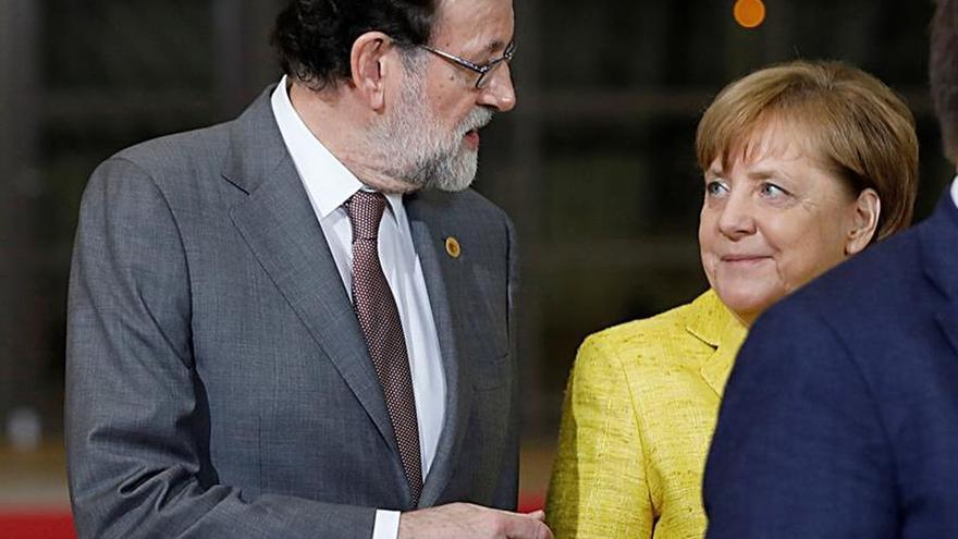 Rajoy felicita a Merkel y cree que la formación del nuevo Gobierno es una buena noticia