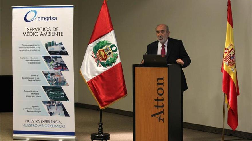 La empresa española de gestión de residuos EMGRISA se presentó en Perú
