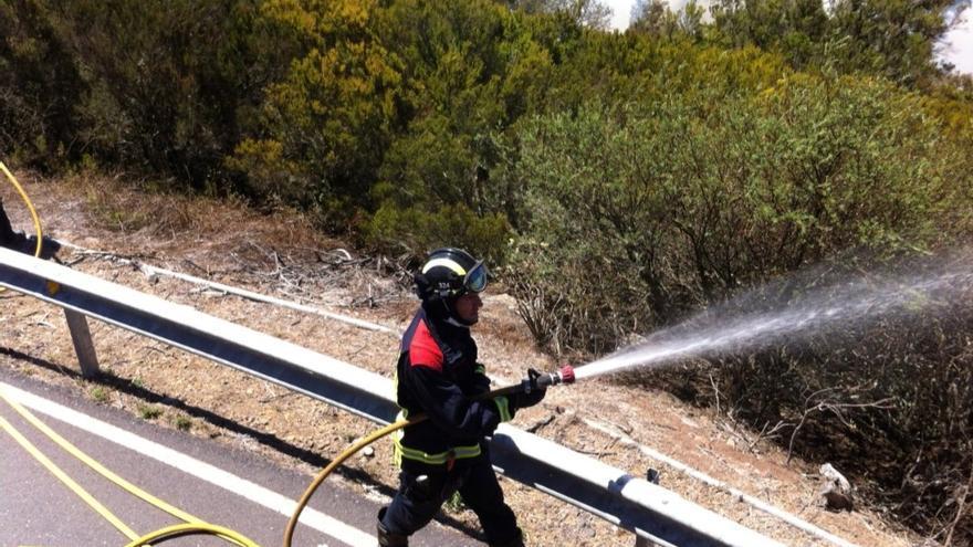 Extinguido un conato de incendio en Igueste de Candelaria, en Tenerife