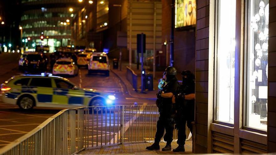 Un atentado en el Reino Unido causa 19 muertos y 59 heridos a 3 semanas comicios