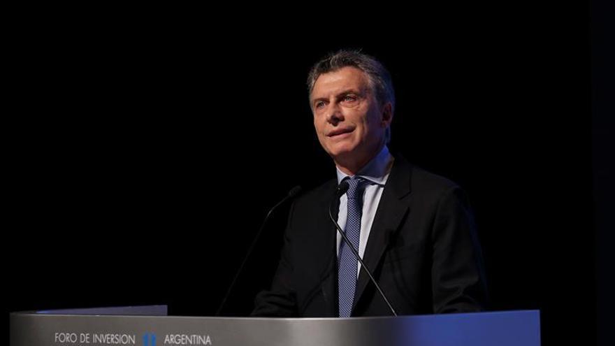 Macri resiste a su primer año en el Gobierno con expectativas favorables