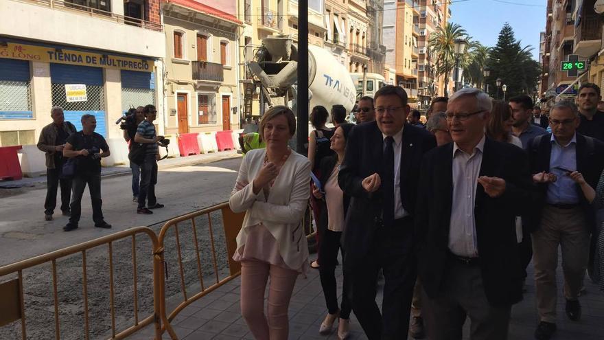 Joan Ribó, Ximo Puig y la consellera de Obras Públicas, María José Salvador