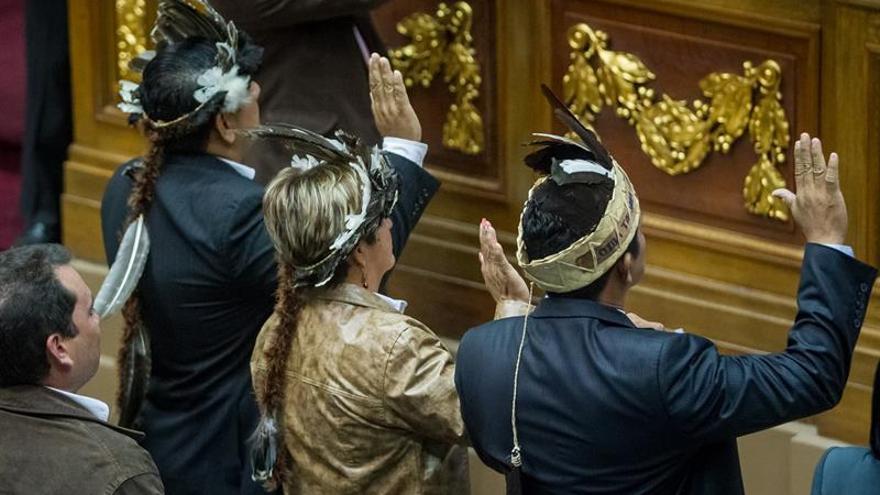 Diputados venezolanos suspendidos pedirán reincorporarse la próxima semana