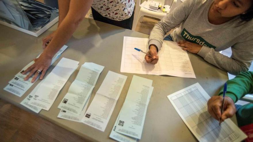 El recuento da un edil más al PSOE en León, pero Cs sigue teniendo la llave