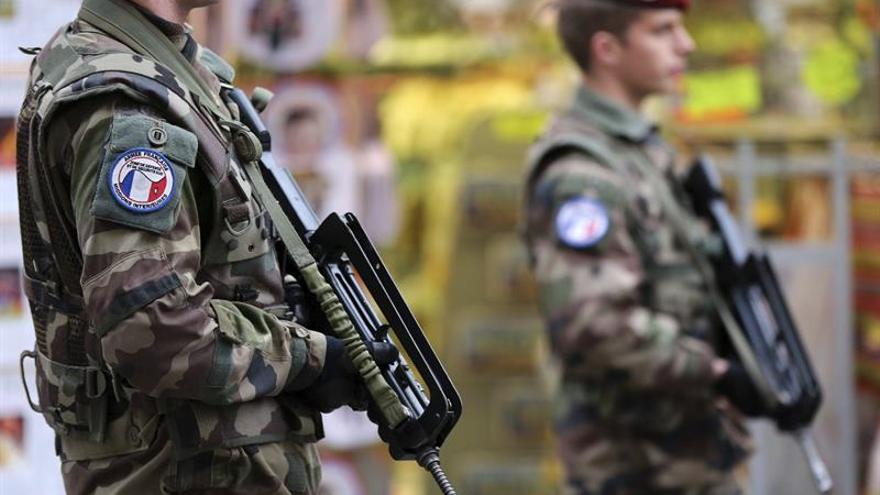 El Senado francés refrenda prolongar hasta julio el estado de emergencia