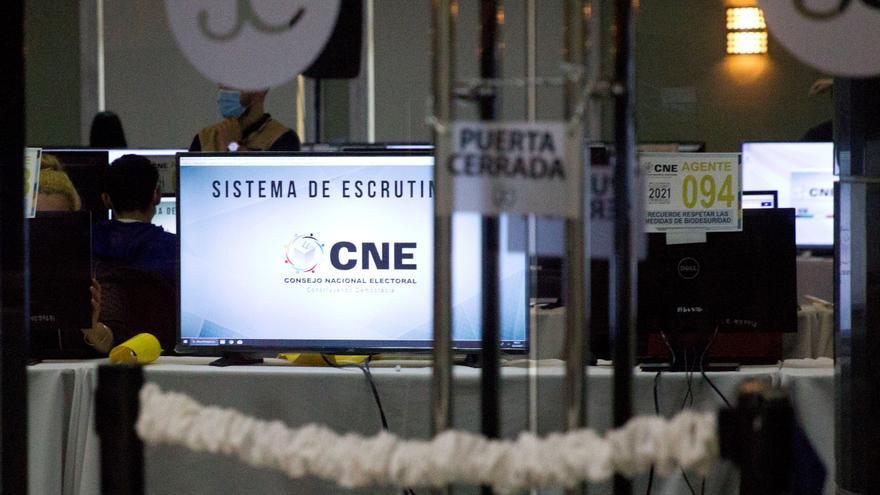 El ente electoral de Honduras comienza el conteo de votos de los comicios primarios
