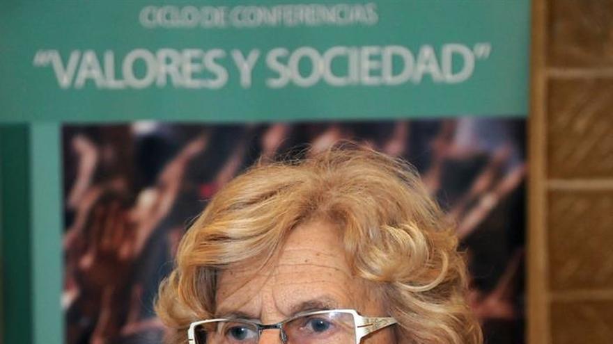 """Carmena pide a los dirigentes de Europa que den """"vía libre"""" a los refugiados"""