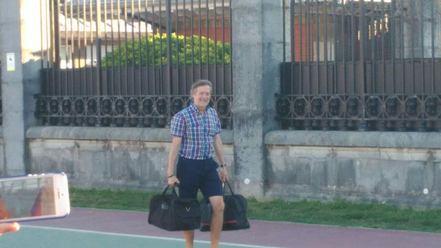 Rafael Díez Usabiaga a su salida de prisión de El Dueso | RUBÉN ALONSO