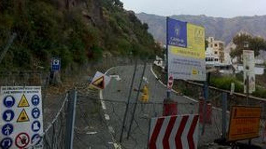 En la imagen, corte de la carretera GC-60, en el punto kilómetrico 25, por el que se accede a Tunte.