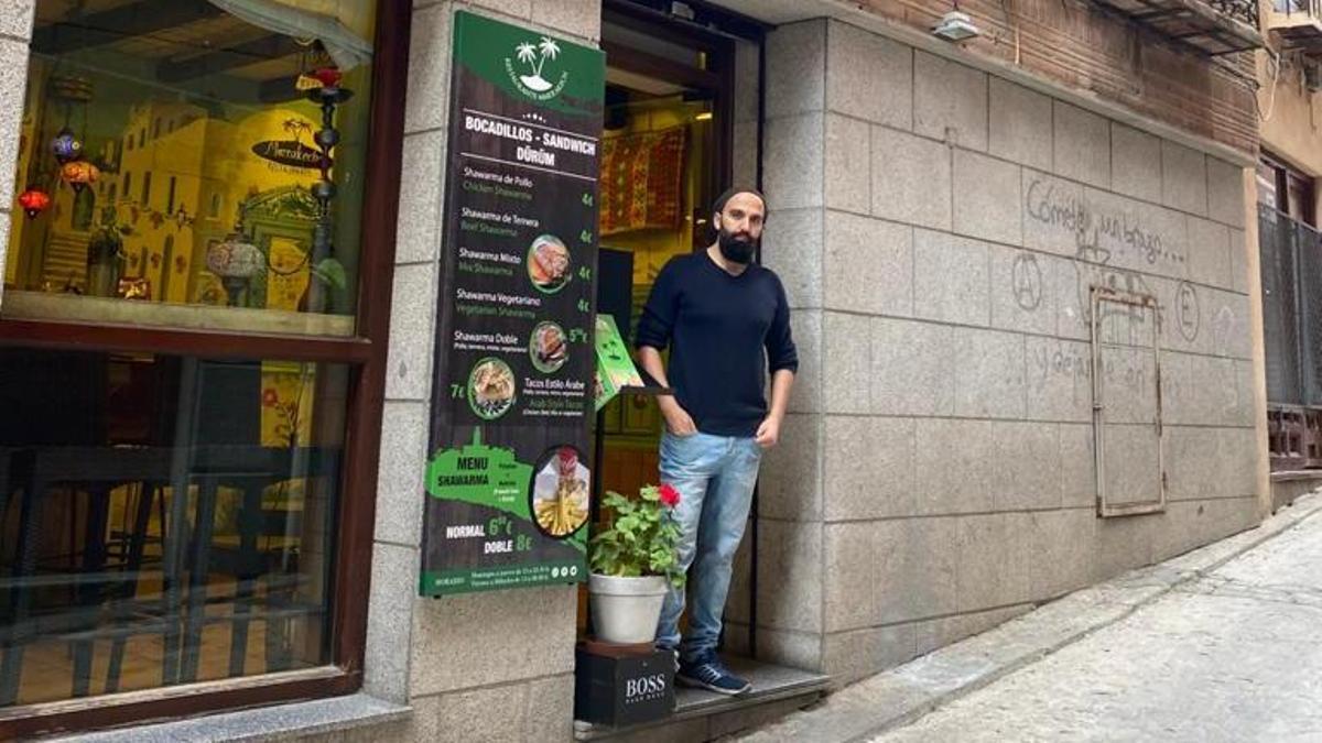 Younes, un marroquí afincado en Toledo, que regenta el restaurante Marrakech