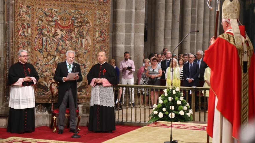 Santalices, en su invocación al Apóstol ante el arzobispo de Santiago