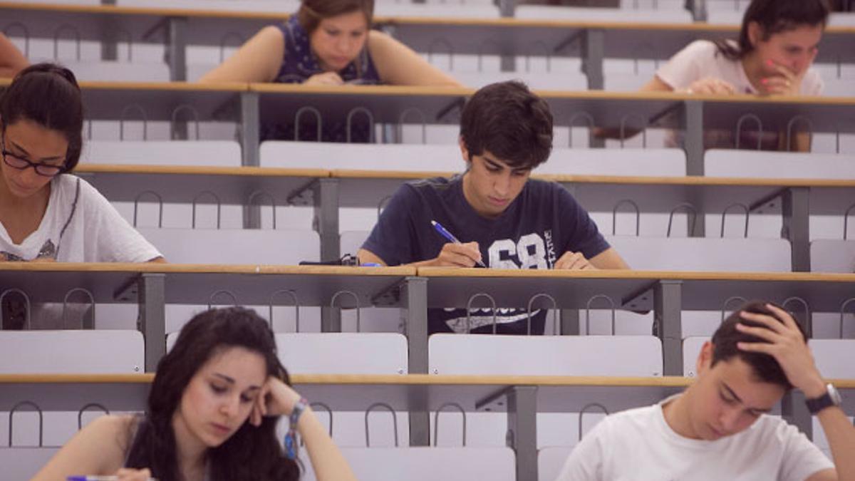 Alumnos de la Universidad de Córdoba, durante un examen.