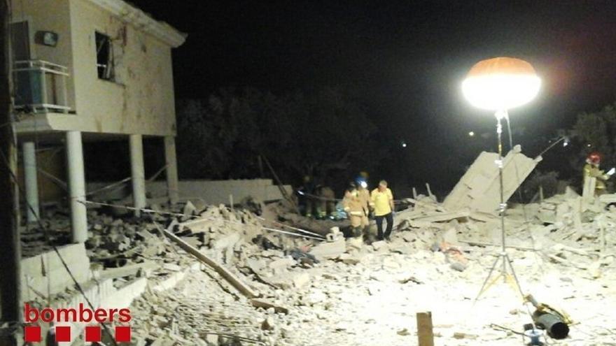 Restos de la vivienda de Alcanar (Tarragona) donde los terroristas almacenaban el material explosivo.