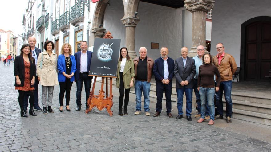 Presentanción del cartel  de la conmemoración del 126º aniversario de la llegada del alumbrado público a Santa Cruz de La Palma.