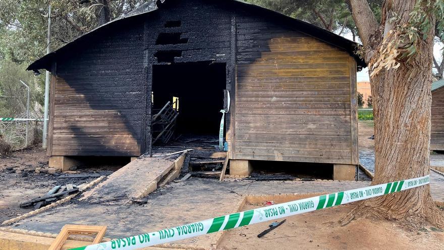La Guardia Civil investiga un incendio en las cabañas de un centro de acogida de menores en Melilla