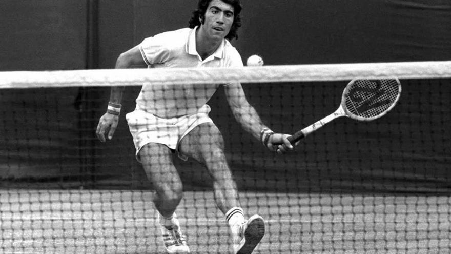 Manolo Orantes, el ex tenista granadino que recibirá un merecido homanaje en su casa en el Nacional de tenis
