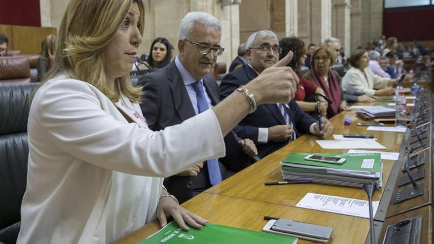 """Díaz acusa al PP y Podemos de seguir instalados en la """"tentación del bloqueo"""""""