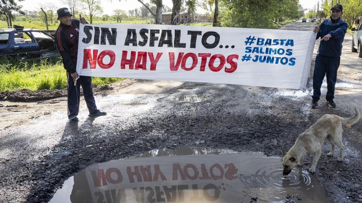 El barrio San Enrique espera la pavimentación de la avenida Domingo Scarlatti hace más de una década.