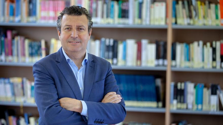 Los alcaldes de Las Cabezas, Bormujos, San Juan, Castilleja, Gines y 13 pueblos más apoyan a Javier Fernández