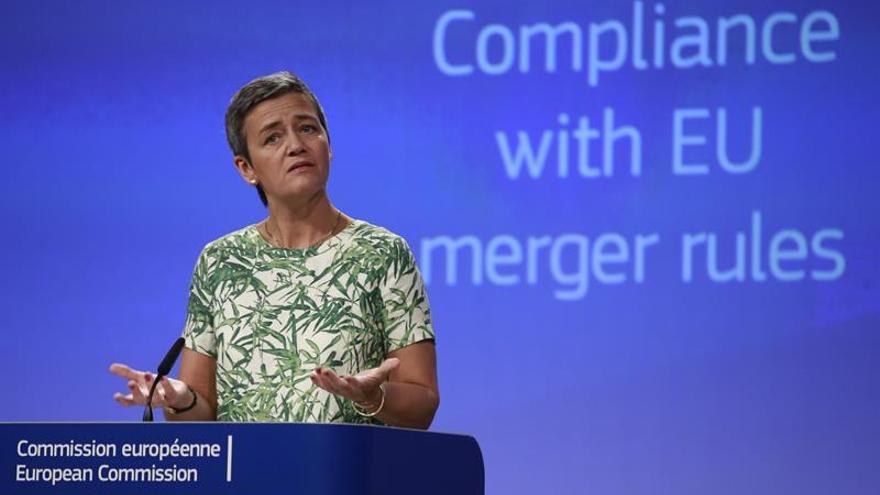 La CE ve incumplimiento de las reglas de competencia en tres grandes fusiones