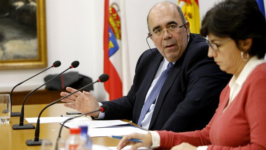 Jesús Oria y Beatriz Fernández, en una rueda de prensa.   Lara Revilla