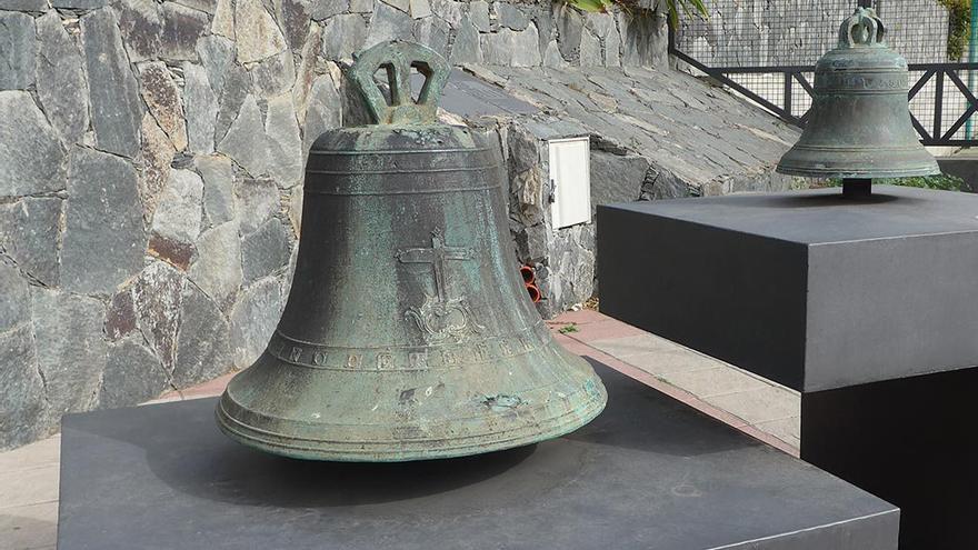 Campanas viejas de Santa Lucía de Tirajana John Warner 1803 y anónimo 1818. (Cedida a Canarias Ahora).