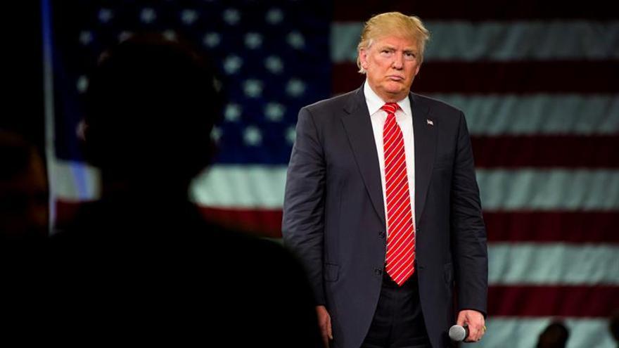 """Trump lamenta que las primarias republicanas estén """"amañadas"""" en su contra"""