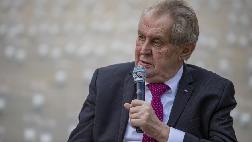 """Al presidente checo, Milos Zeman, los transexuales le parecen """"asquerosas"""""""