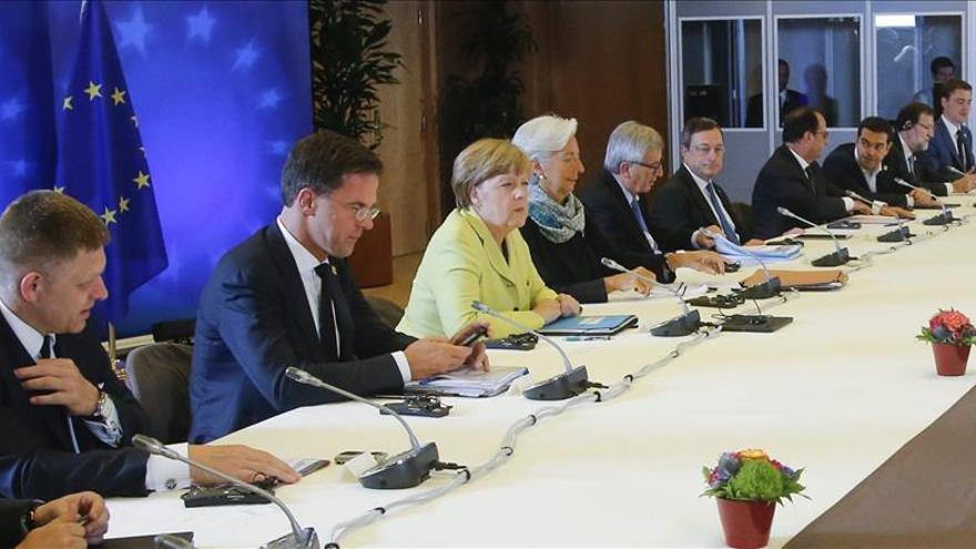 """La UE espera hoy un primer paso de Grecia tras el """"no"""" en el referéndum"""